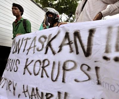 Mahasiswa Demo Anti Korupsi di Makassar