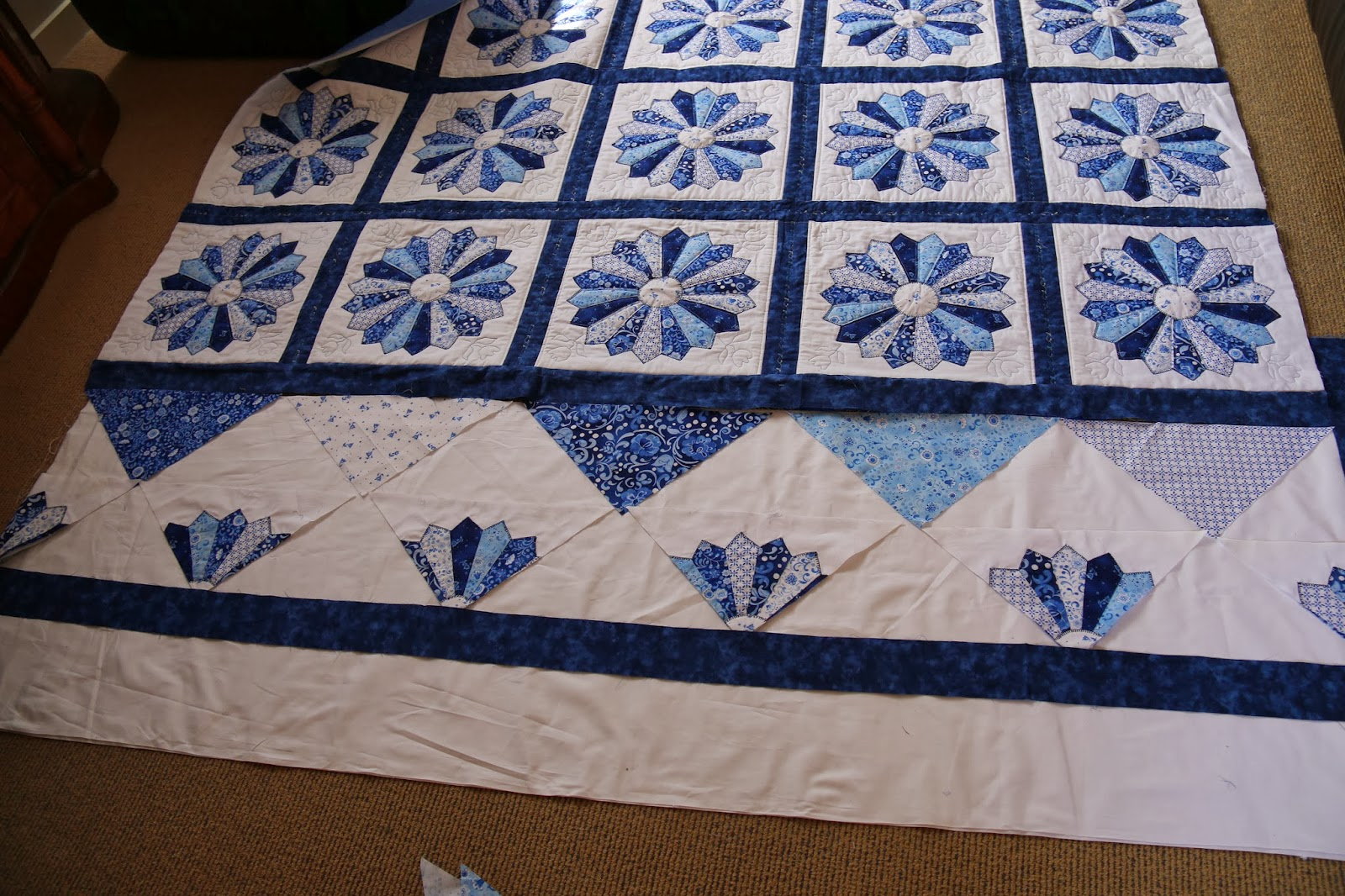 Ideas For Quilting Borders : medallion quilts Book Covers