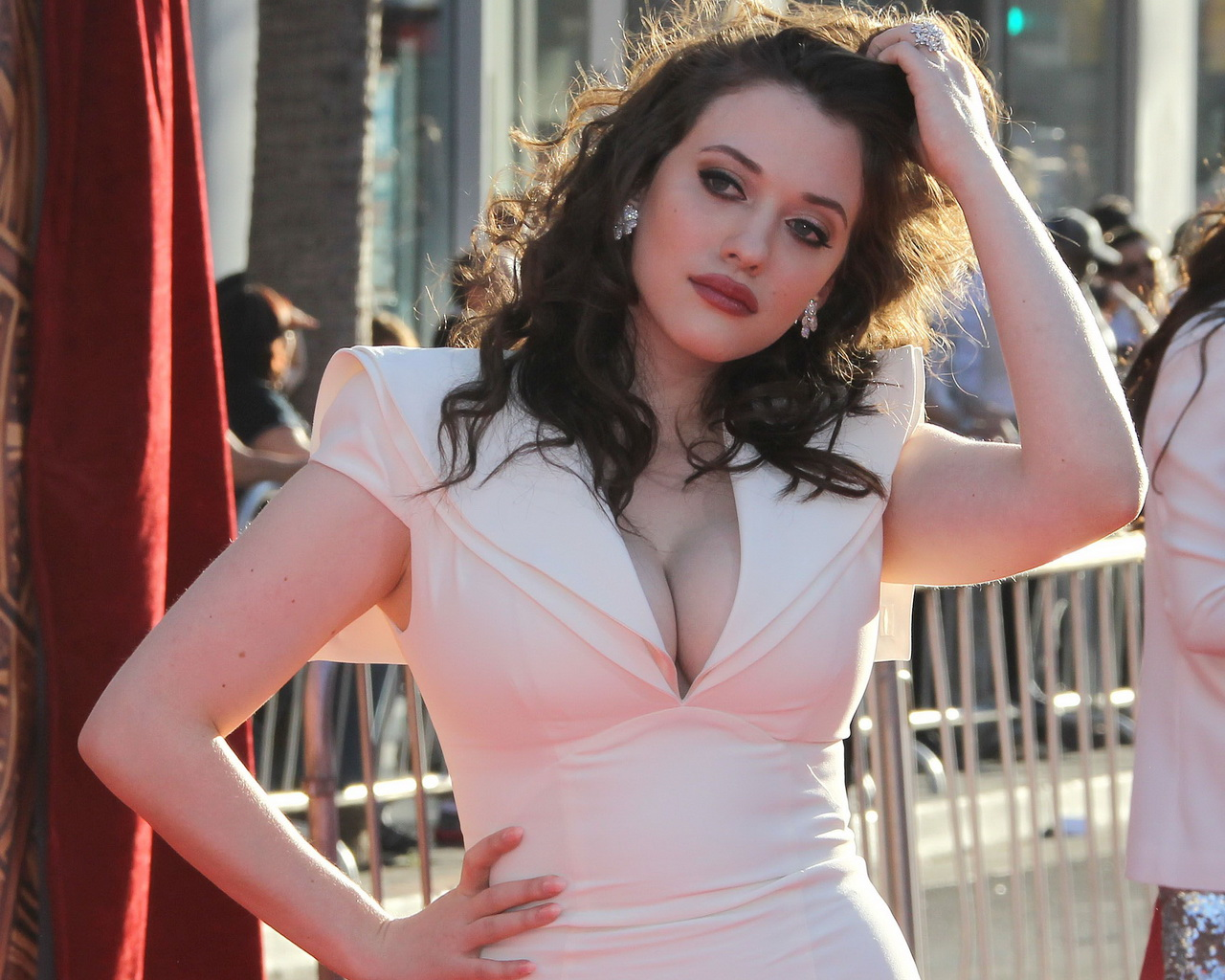Comically Graphic Babe Of The Day Kat Dennings