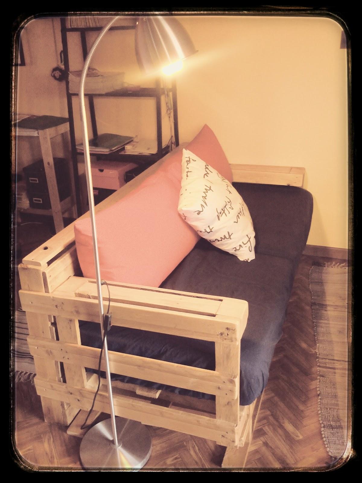 Divano legno fai da te zb39 regardsdefemmes - Costruire un divano in legno ...