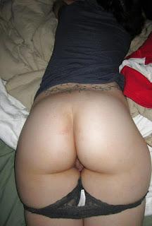 Twerking blondes - sexygirl-yummy_ass_1112549698-702025.jpg