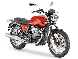 2013 Moto Guzzi V7 Classic motorcycle photos 4