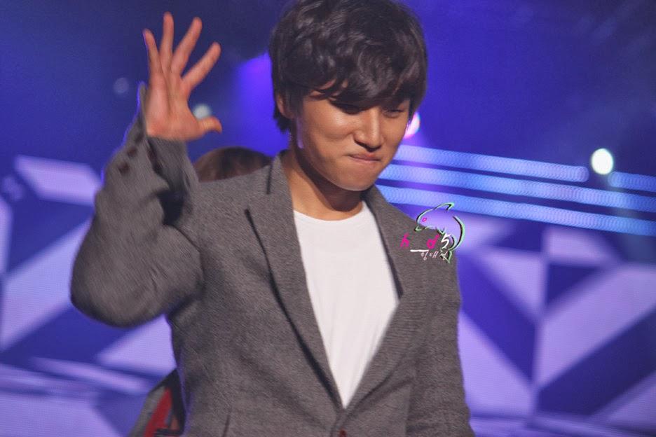 http://3.bp.blogspot.com/-PTnPhDSZBsI/TvMAyit7YtI/AAAAAAAAPPI/WRceAas3sgs/s1600/Daesung_034.jpg