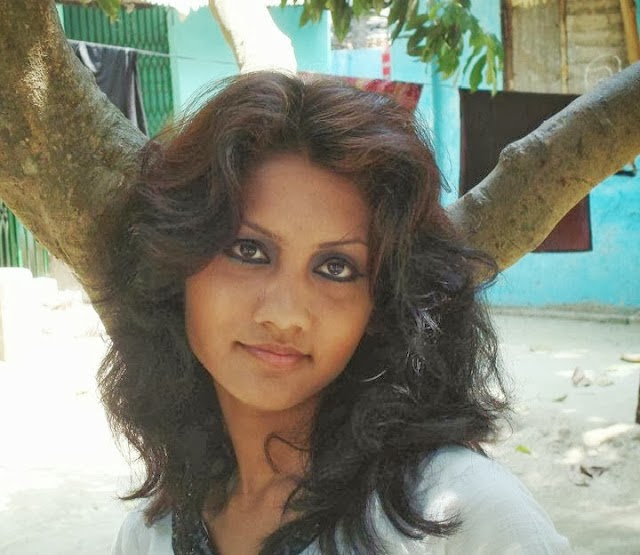 Local+Desi+Village+Hot+Girls+Cute+And+Nice+smile+Wallpapers+And+Photos,+Image002