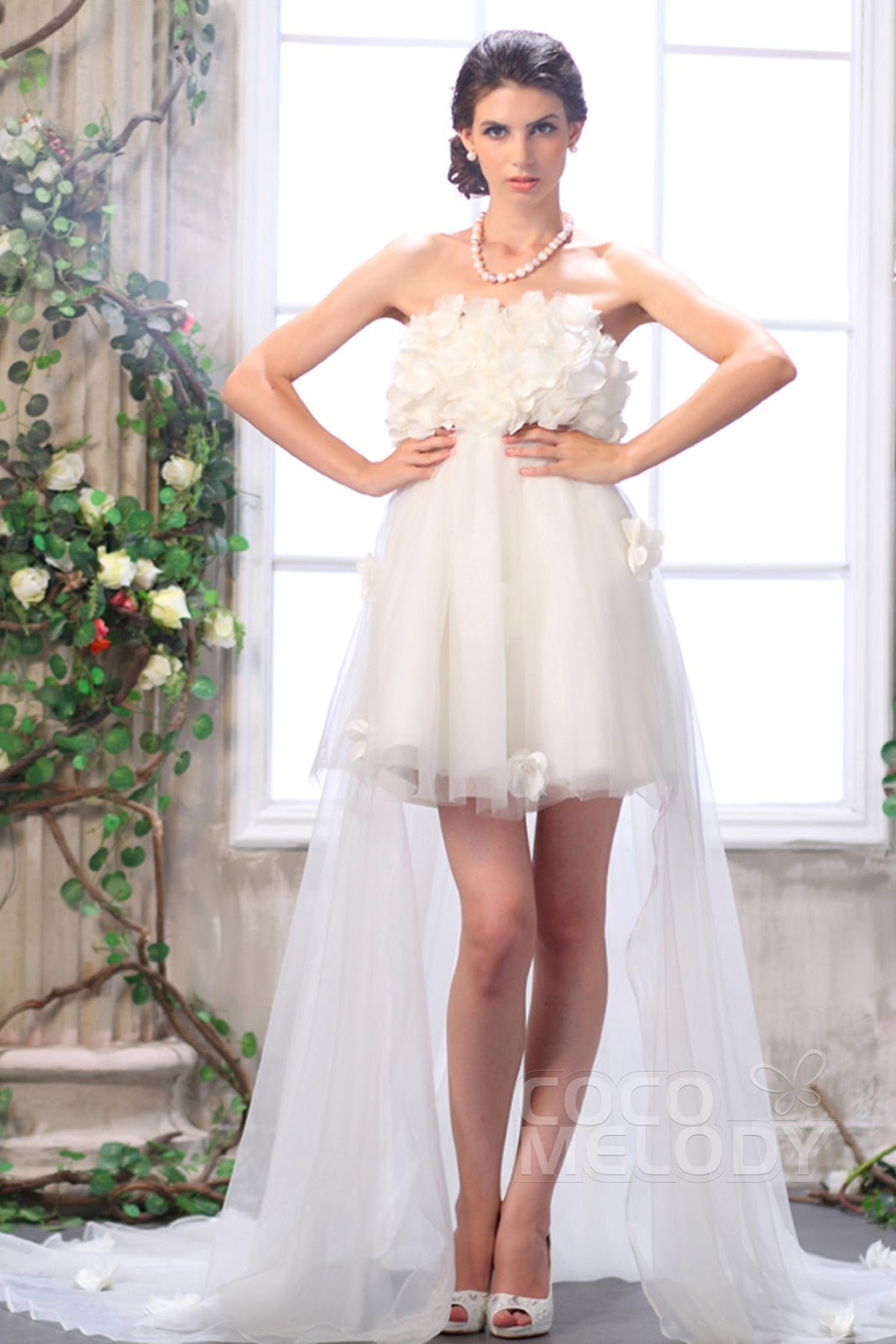 a-line-ivory-asymmetrical-strapless-tulle-wedding-dress