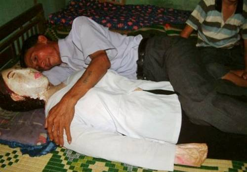 Vietnamese Man Sleeps With His Dead Wife