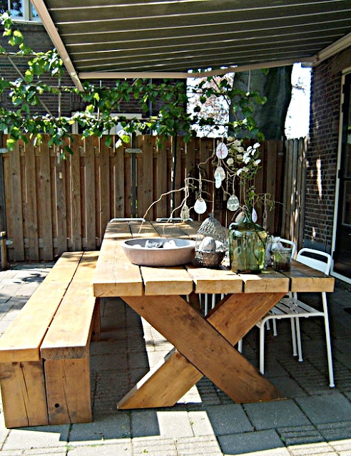 Seasonsofmyhome april 2011 - Mobiliario rustico ...