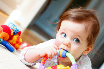 Baby Teething: Signs and Symptoms to look for first teeth
