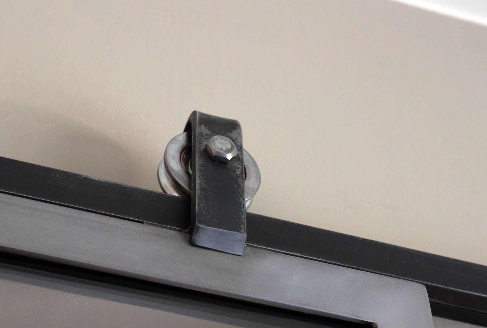 Ferronnerie m tallerie serrurerie 79 deux s vres l 39 art du for Fabricant de porte interieur