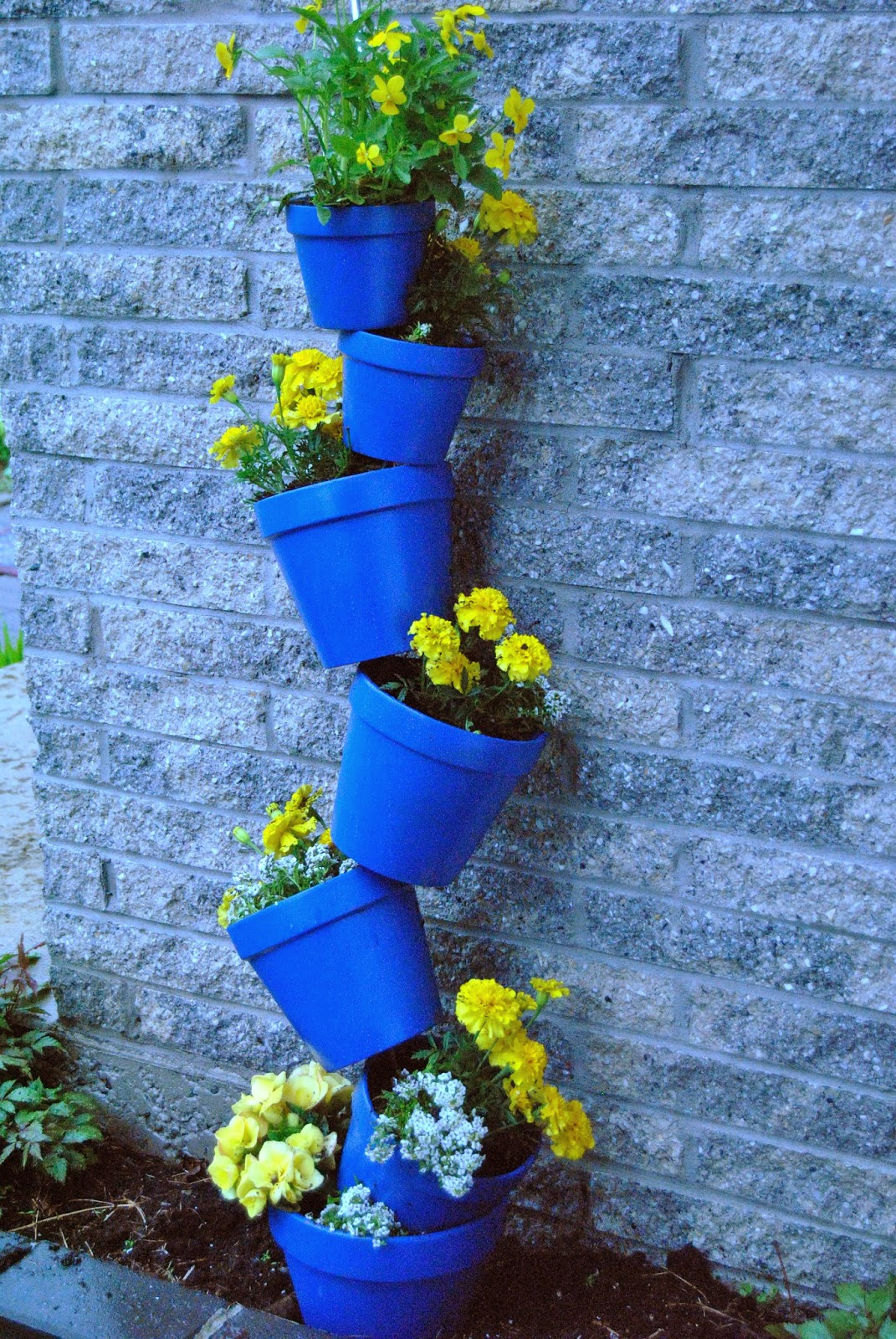 Fun and Easy Projects Topsy Turvy Flower Pots