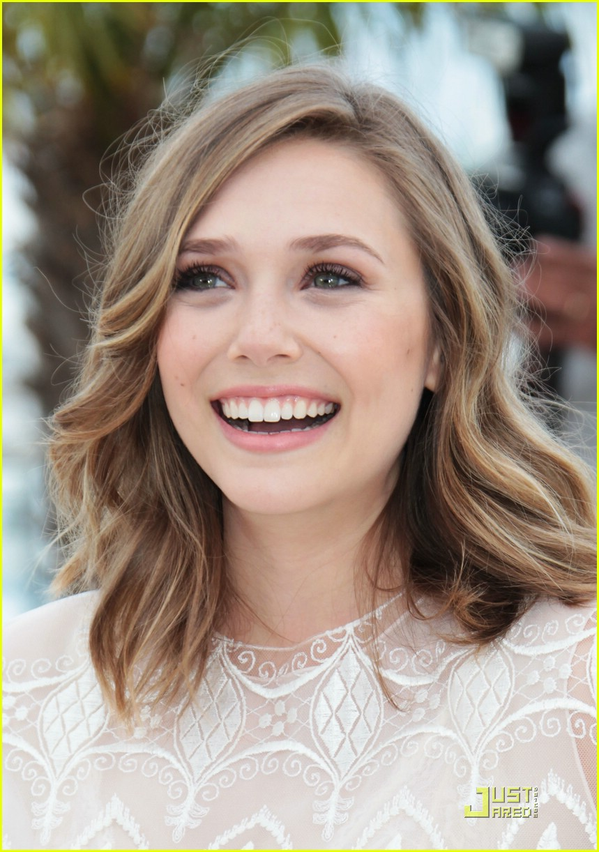 Elizabeth Olsen Medium Hairstyles