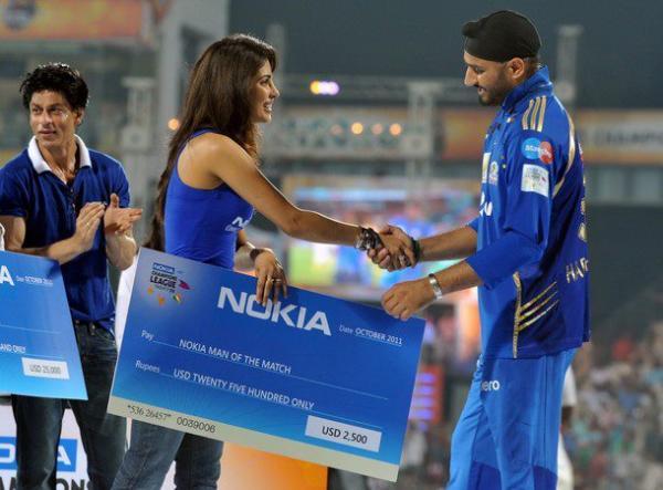 Priyanka Chopra & SRK @ Champions League T-20