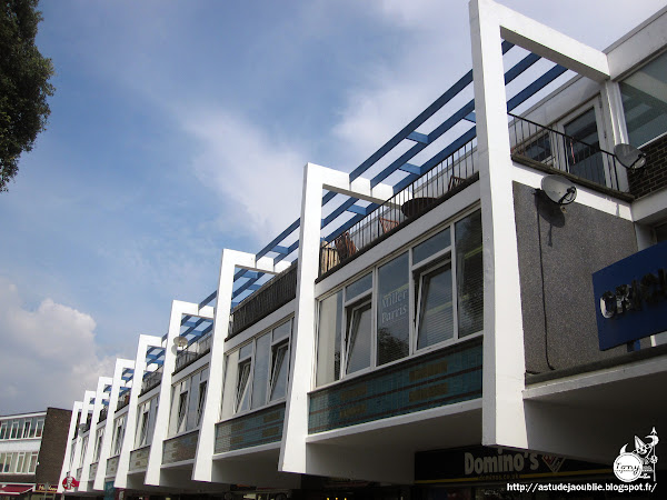 Worthing - UK - Centre commercial & Appartements  Architecte:  Construction: