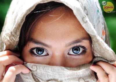 Beauty Seen In Her Eyes, Reflected In Her Soul