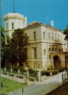 Casa de cultura (castel Nako)