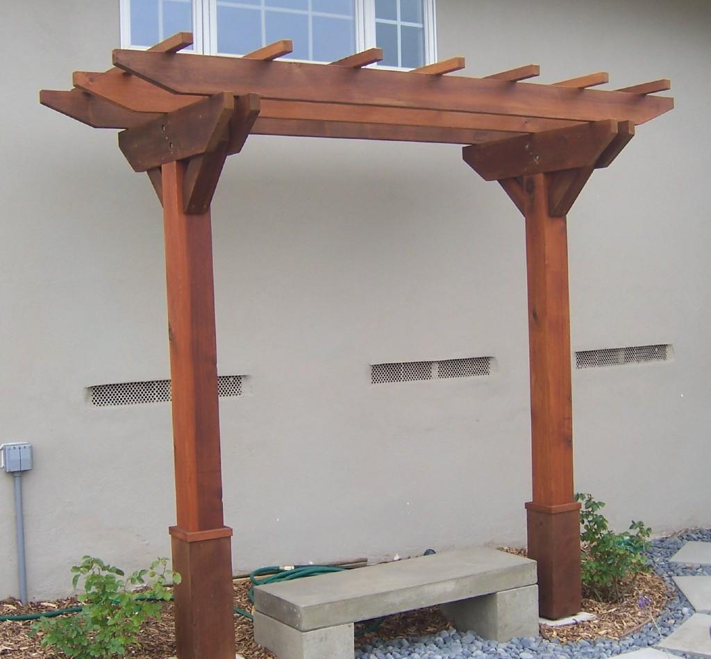 The 2 minute gardener photo wooden arbor with bench for Wooden garden trellis designs