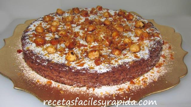 tarta facil de chocolate con avellanas y caramelo