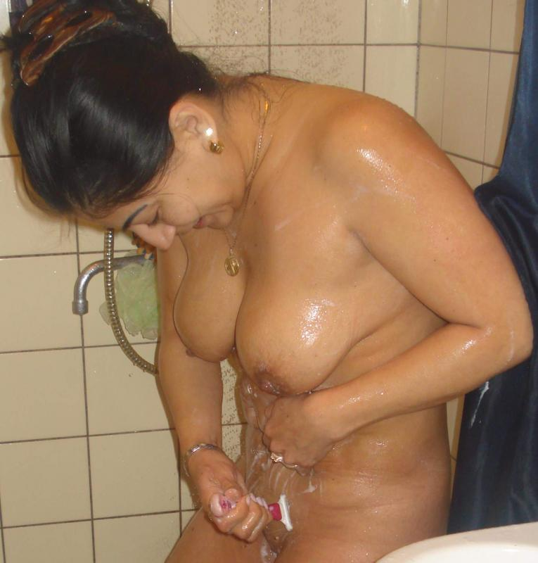 Indian Aunty Bathroom Shaving Before Bathing Nude Boob Show