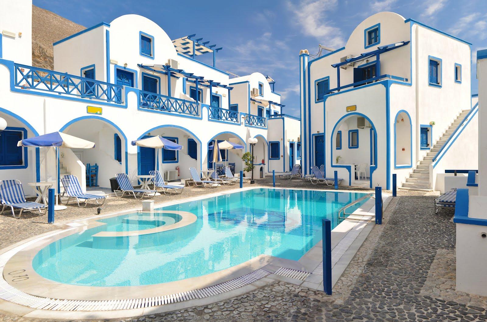 Image gallery hoteles en santorini grecia for Hotel familiar en capital