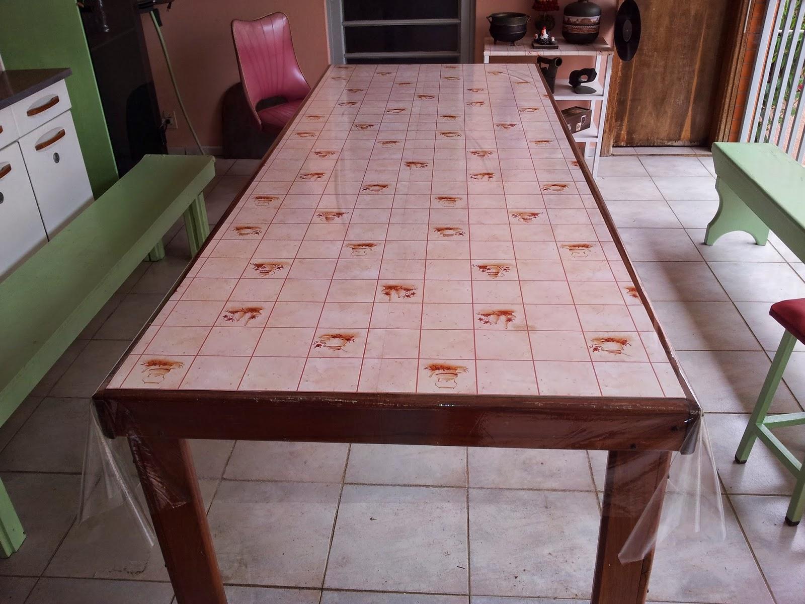 : Como fazer uma mesa usando vidro temperado e madeira de demolição #694139 1600x1200