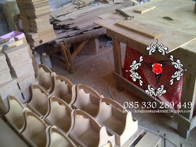 Pengrajin Kayu MDF Di Jombang Melayani Pesanan Souvenir Custom