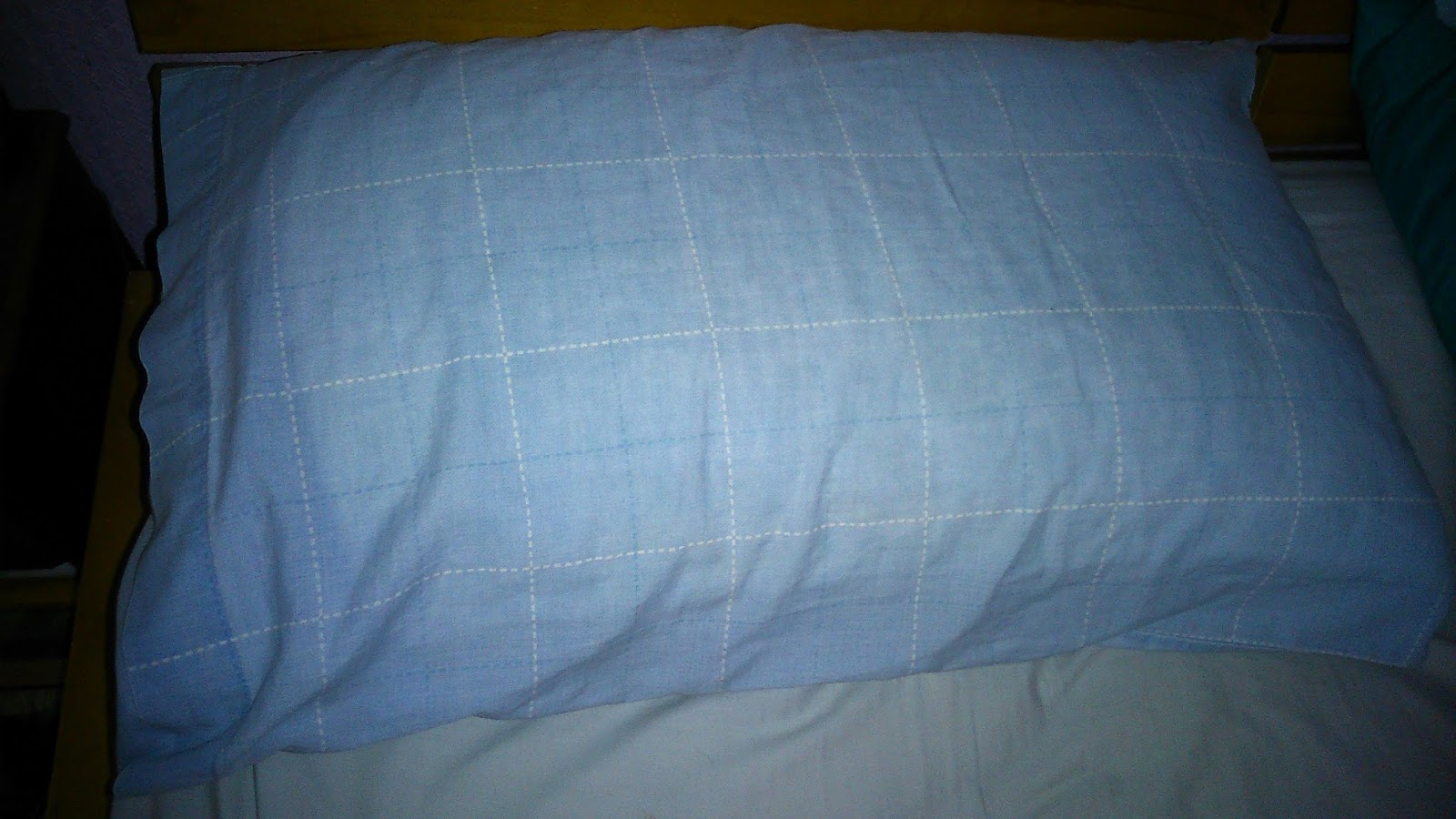 Slumberdown Traditional Memory Foam Pillow Review : Slumberdown Mem-Gel Pillow Review - My Three and Me