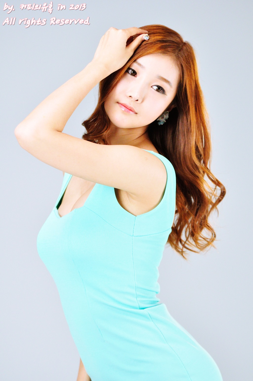 xxx nude girls: very cute asian girl Han Song Yee