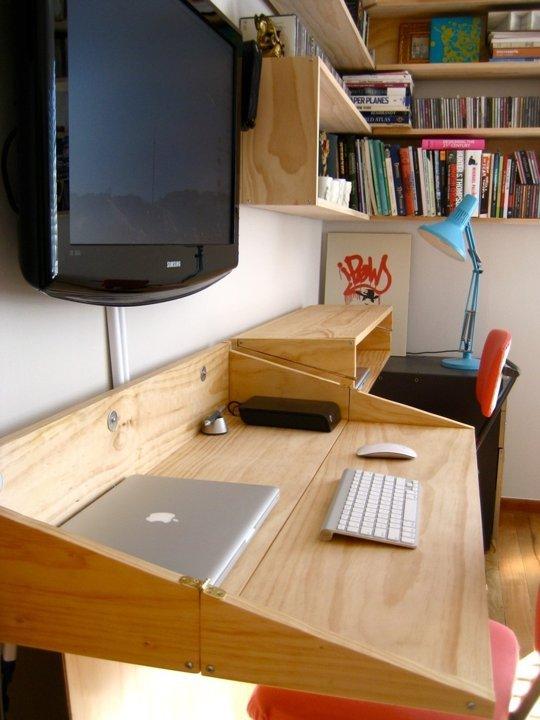 die wohngalerie wandbefestigter klapptisch als schreibtisch. Black Bedroom Furniture Sets. Home Design Ideas