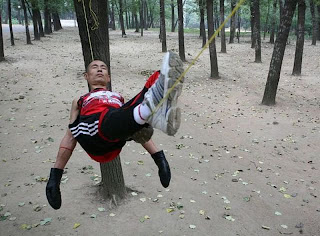 funny images: Chinese man sleeps