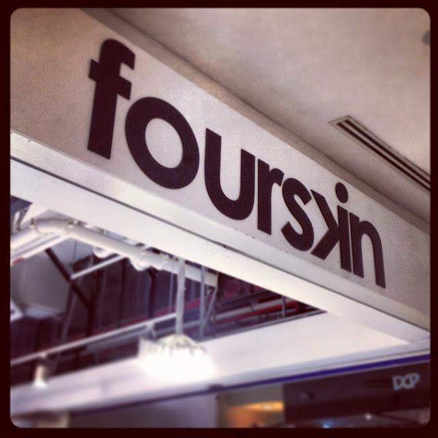 "<img src=""image.gif"" alt=""Fourskin Store, Singapore"" />"