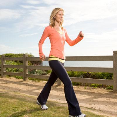 walking-workout-المشى يقلل مخاطر الإصابة بالأزمات القلبية