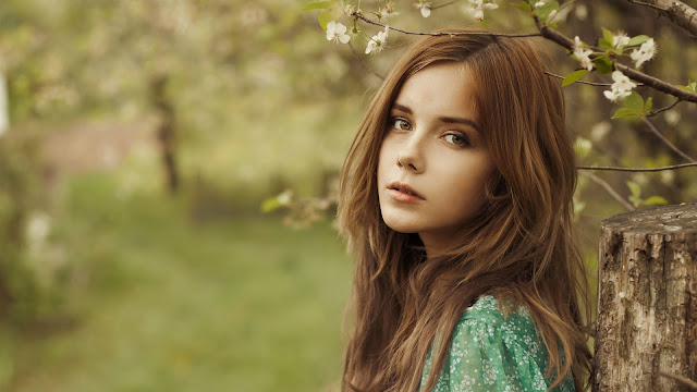Beautiful Brown Hair Girl in the Forest HD Wallpaper