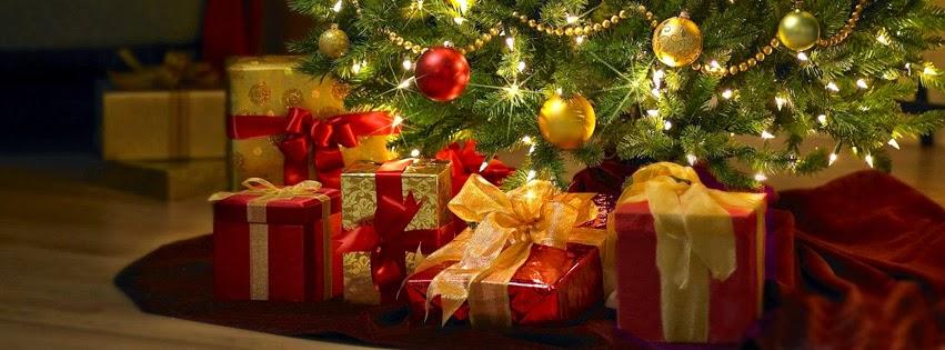 Božićne slike pokloni ispod jelke