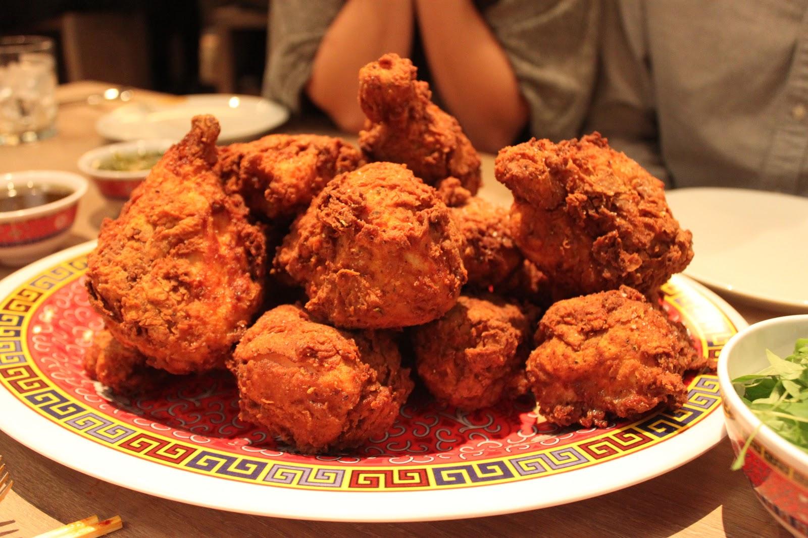 ... & Urban Girl's Guide: Urban Eats @ The Momofuku Fried Chicken Dinner