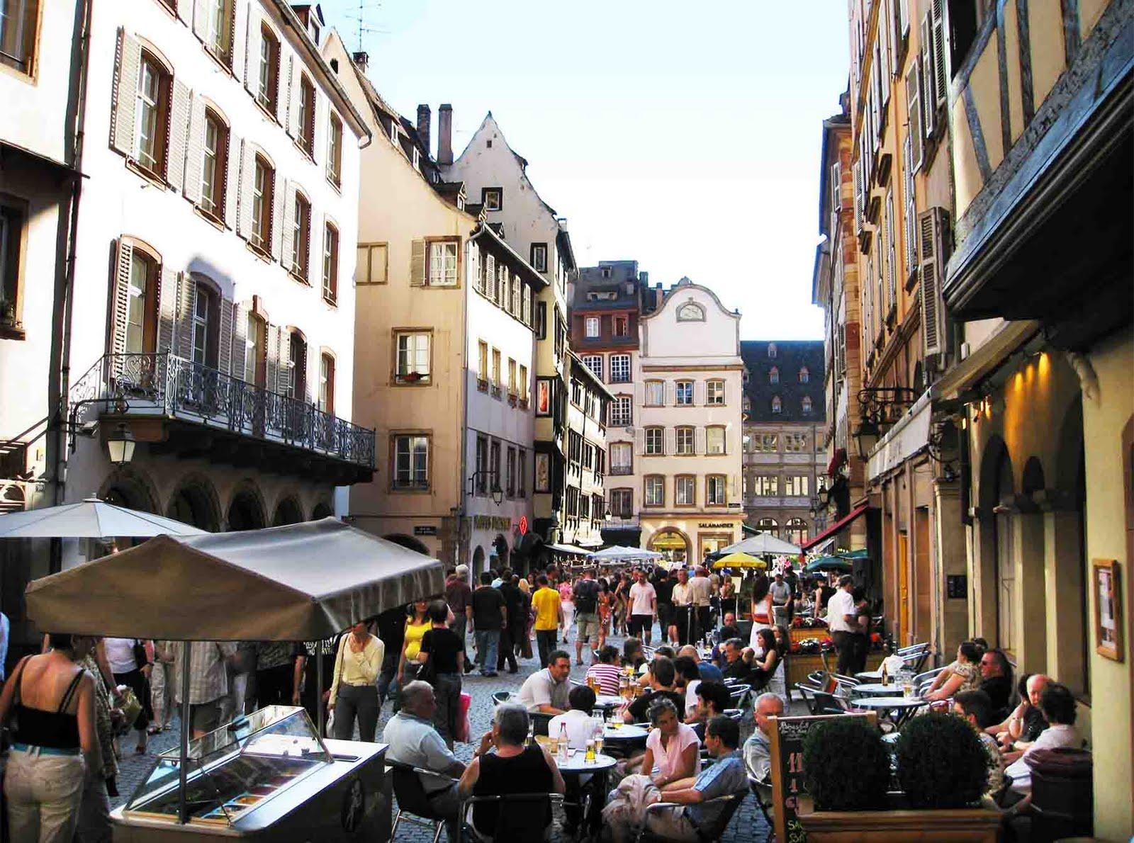 france strasbourg popular tourist destination place for visit. Black Bedroom Furniture Sets. Home Design Ideas