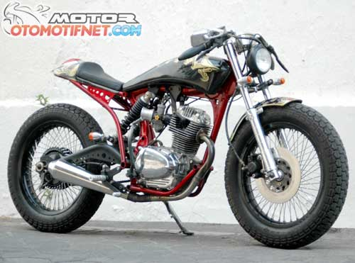 Modifikasi Honda CB 1973 Cafe Racer