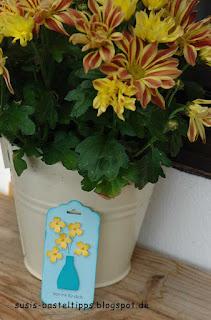 Schleifenstanze von Stampin Up als Vase mit itty bitty Akzenten als Blumen