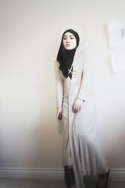 Hijab unik dan Cantik Hana Tajima