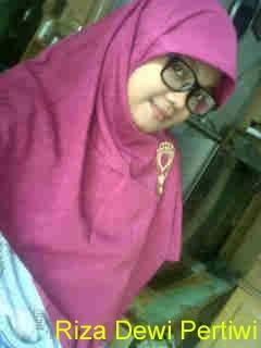 Riza Dewi Pertiwi