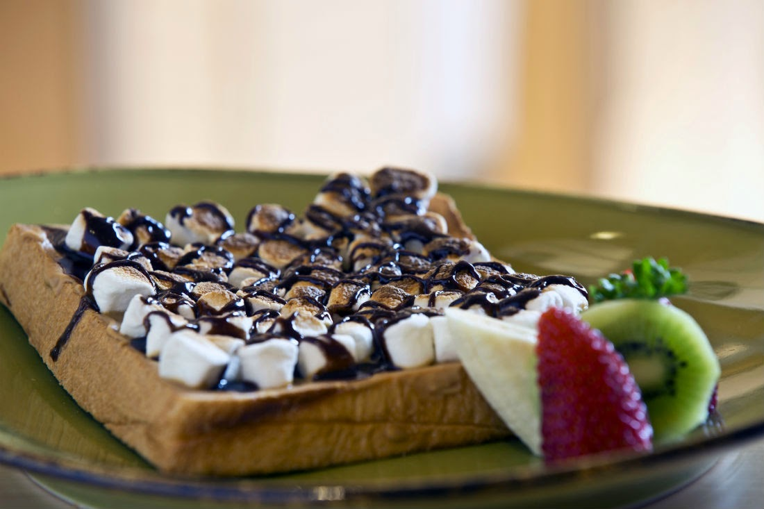 We ordered a selection of breakfast items, such as the peanut butter and marshmallow toast with chocolate topping