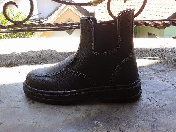 madda sepatu safety , grosir sepatu safety, pabrik sepatu safety handmade