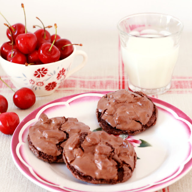 Cakes in the city: Chocolate puddle cookies