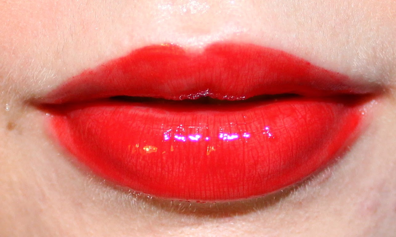 Revlon ColorStay Moisture Stain in Shanghai Sizzle on Lips