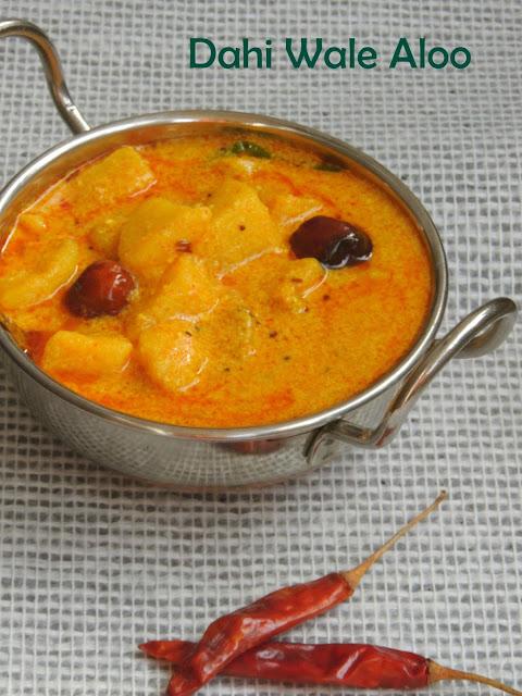 Potatoes cooked in Tangy yogurt sauce, Dahi Wale aloo