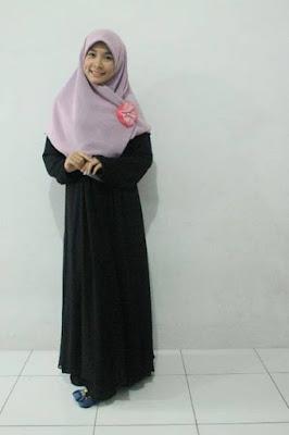Model Busana Muslim Syari Kombinasi Khimar Gamis