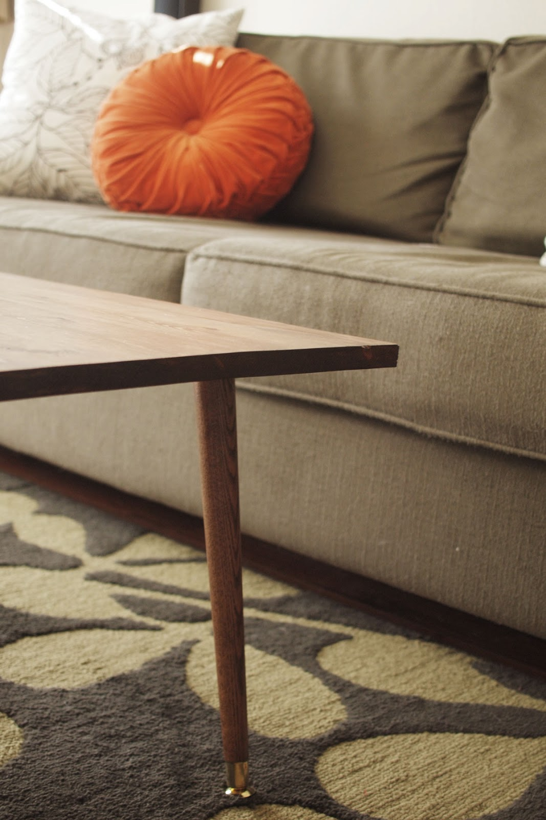 diy mid century modern coffee table a pair of pears. Black Bedroom Furniture Sets. Home Design Ideas