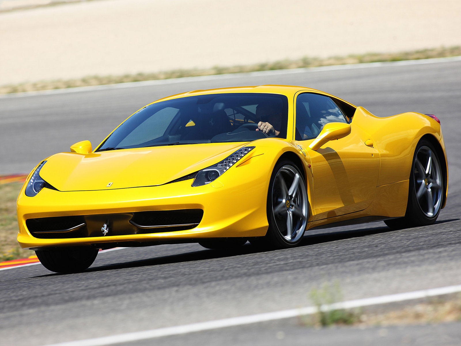2011 ferrari 458 italia car accident lawyers wallpapers for Wallpaper italia