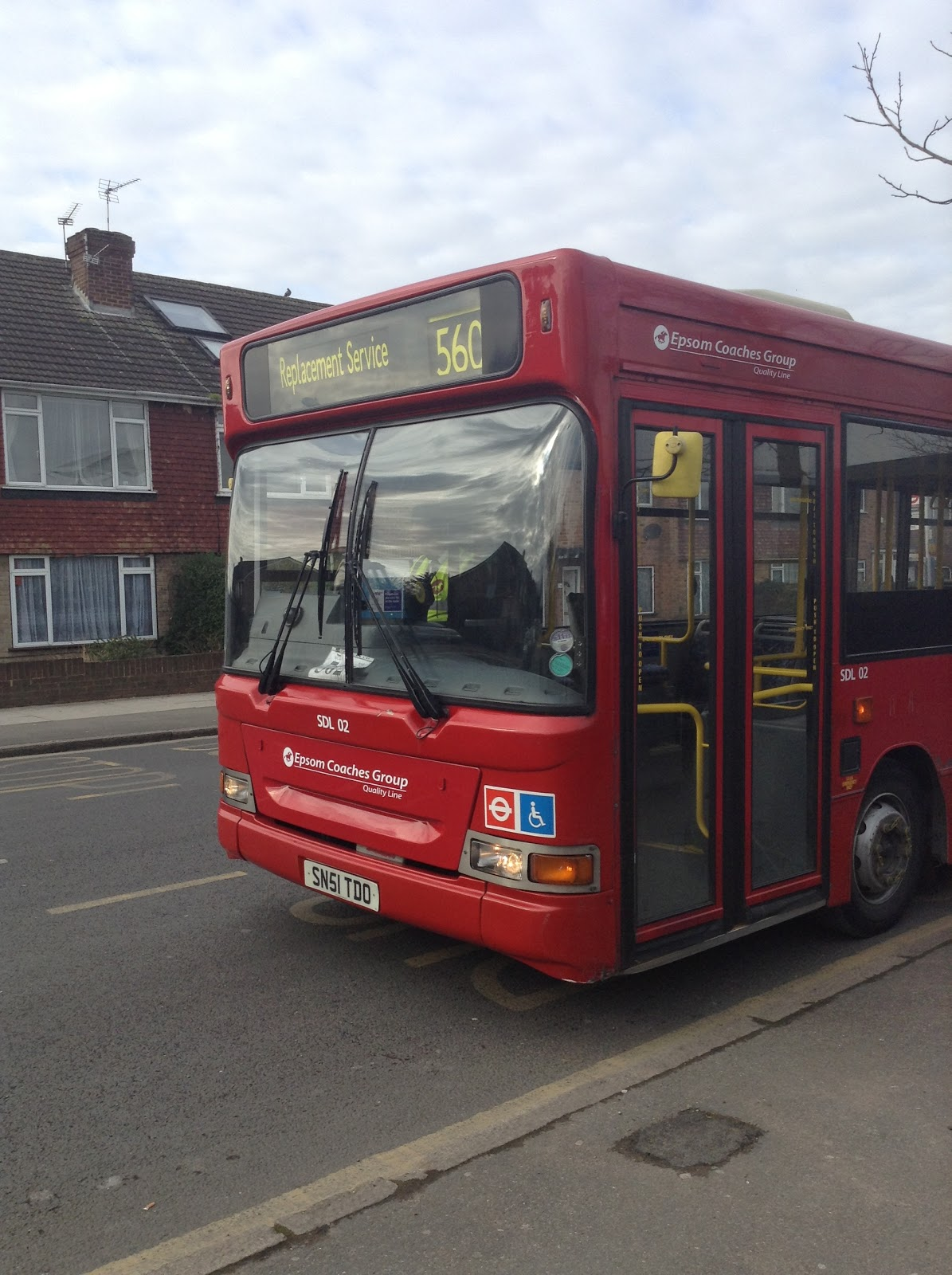 london bus scene: routes 560 and 518