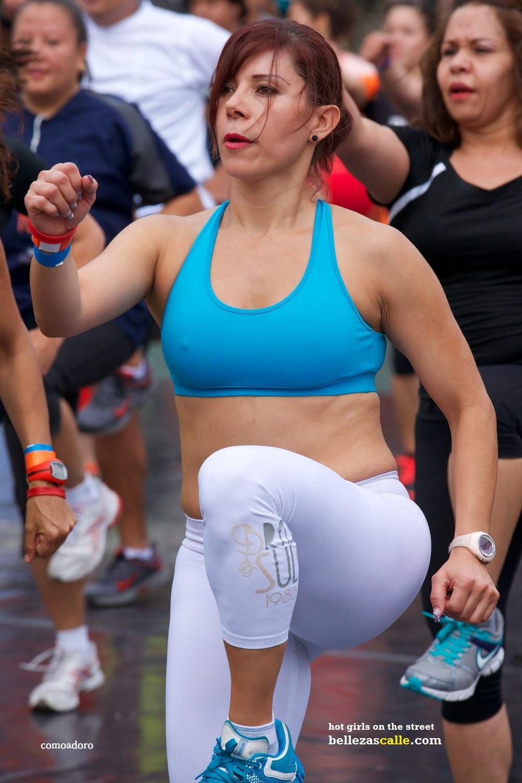 Mujeres Piernudas En Minifalda Newhairstylesformen2014 Com