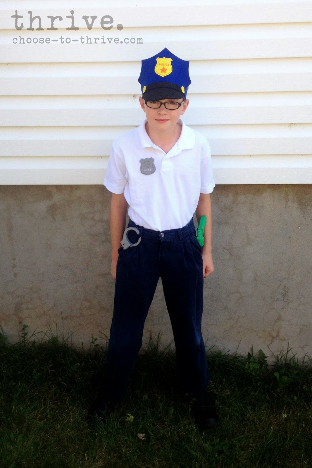 Thrive 100 simple halloween costumes that you probably have in police officer solutioingenieria Images